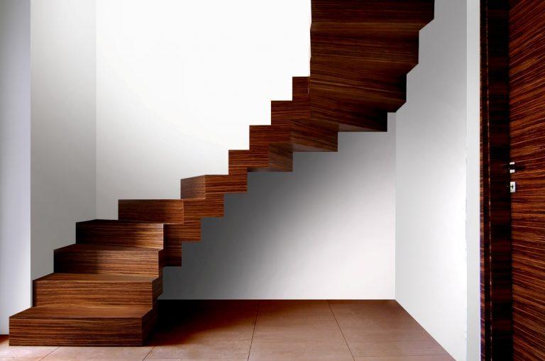 Jak wielu jest w Polsce dobrych producentów schodów drewnianych?